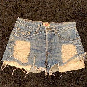 Vintage 501 Levi's Shorts size 29/29 ripped